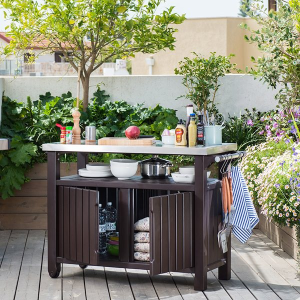 Double-BBQ-Table-Lifestyle
