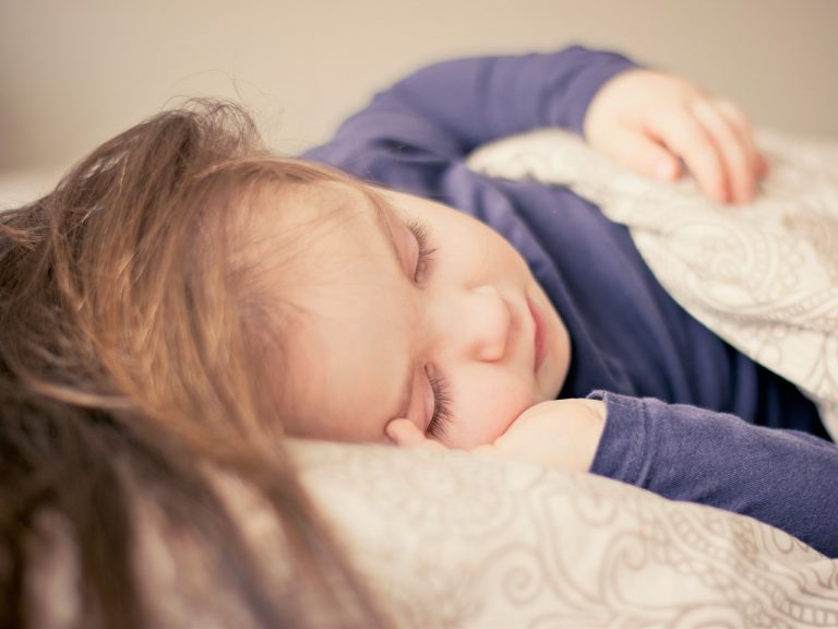 How to Develop a Healthy Sleep Routine for your Kids