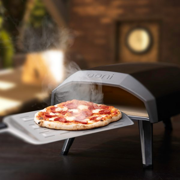 57543-Ooni-Koda-Pizza-Oven-Lifestyle (1)