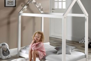 Cabane-Junior-Bed-in-White