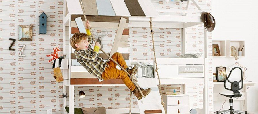 High-Treehouse-Kids-Bed-with-Rope-Ladder