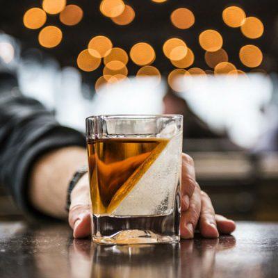 Whiskey-Wedge-Drinks-Tumbler-Lifestyle