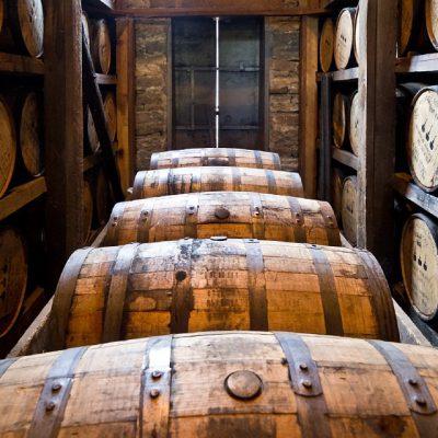 distillery-barrels-591602_960_720