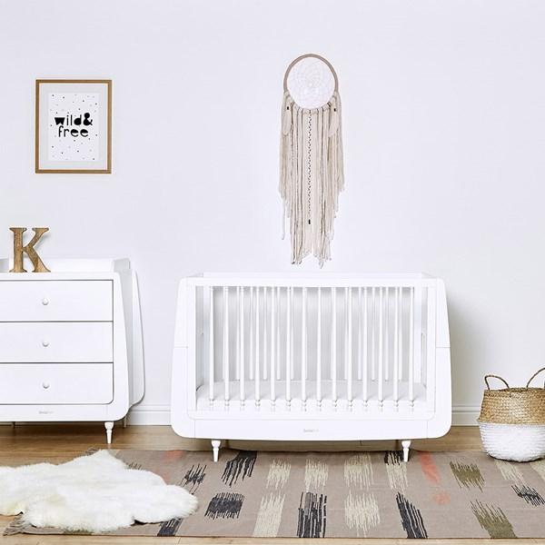 SnuzKot Rococo Cot Bed in White