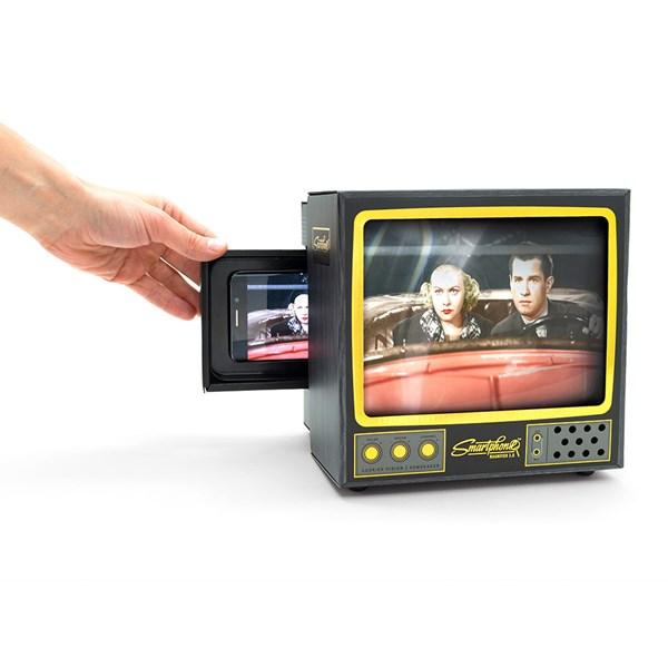Phone Screen Magnifier in TV Design