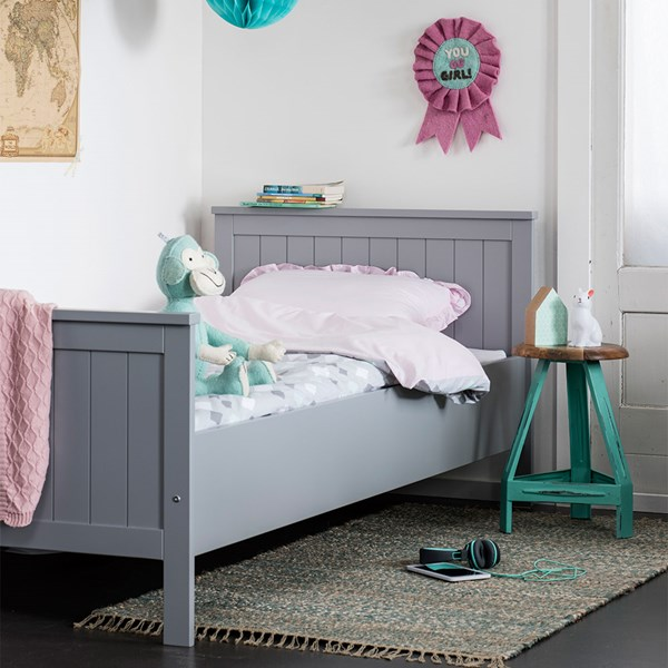 Classic Contemporary Style Kids Bed