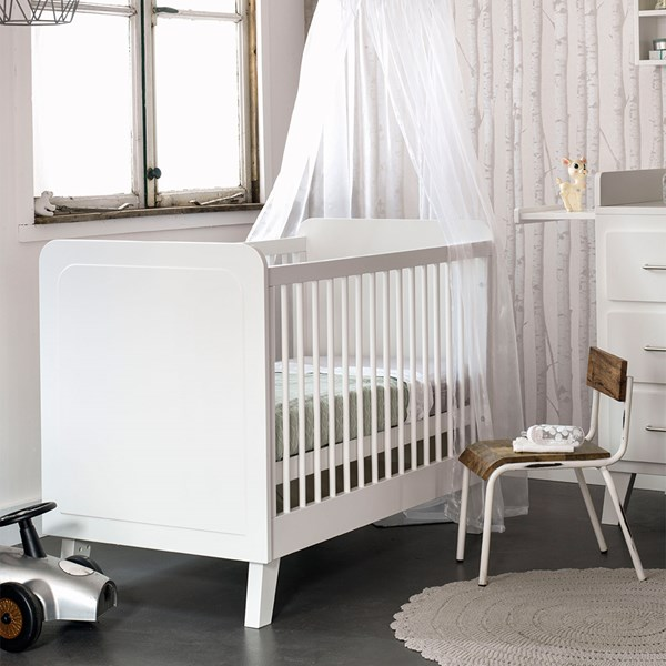 Modern Luxury White Baby Crib
