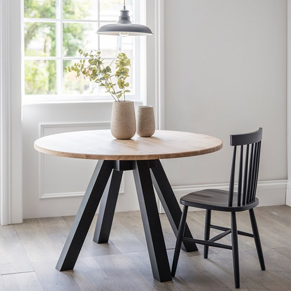 Garden Trading Clockhouse Round Dining Table