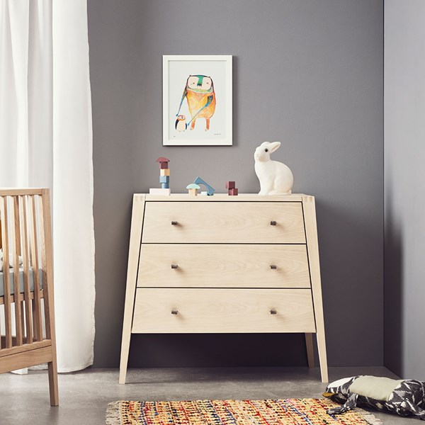 Linea 3 Drawer Dresser in Solid Oak