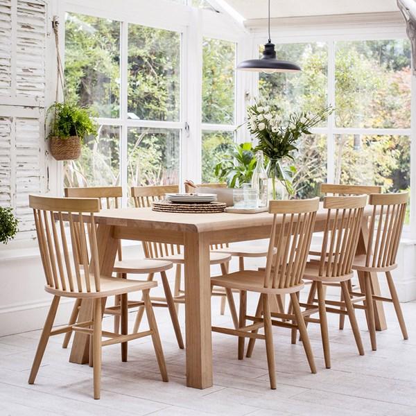 Garden Trading Oakridge Dining Table