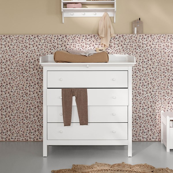 Oliver Furniture Seaside Nursery Dresser in White