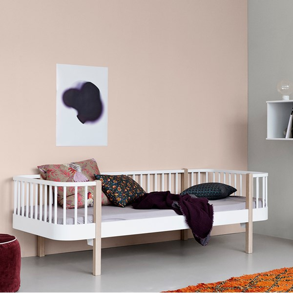 Contemporary Wood Kids Day Bed in Oak and White