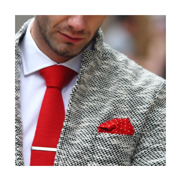 Woven silk pocket square in Red and White