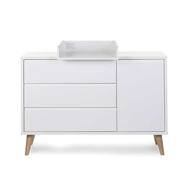 Contemporary Nursery Wooden Chest of Drawers