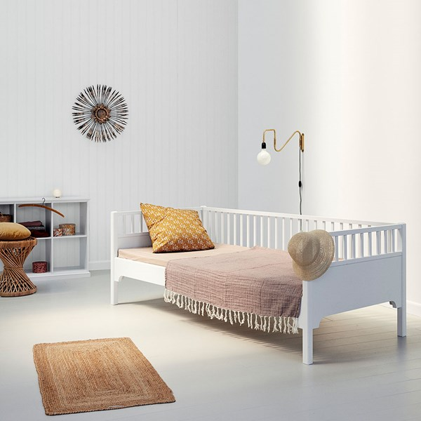 Oliver Furniture Luxury Seaside Day Bed in White