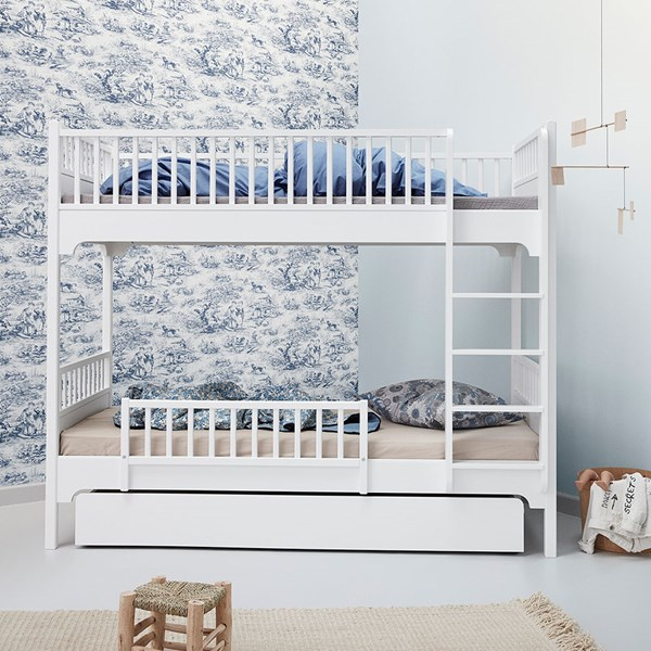 Oliver Furniture Children's Seaside Bunk Bed with Vertical Ladder in White
