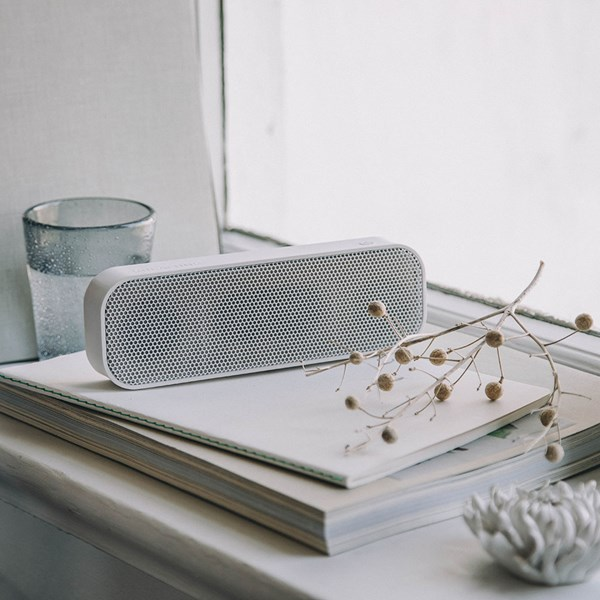 aGroove Bluetooth Speaker White Edition