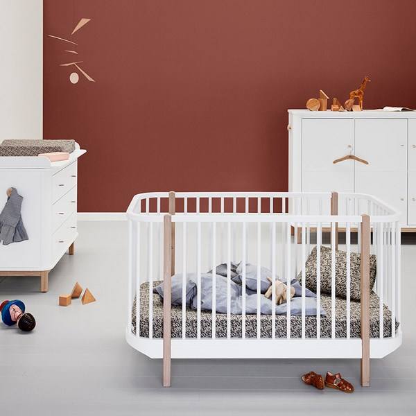 Oliver Furniture Baby & Toddler Luxury Wood Cot Bed in Oak & White