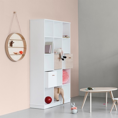 Oliver Furniture Wood Vertical Boxed Shelving Unit in White
