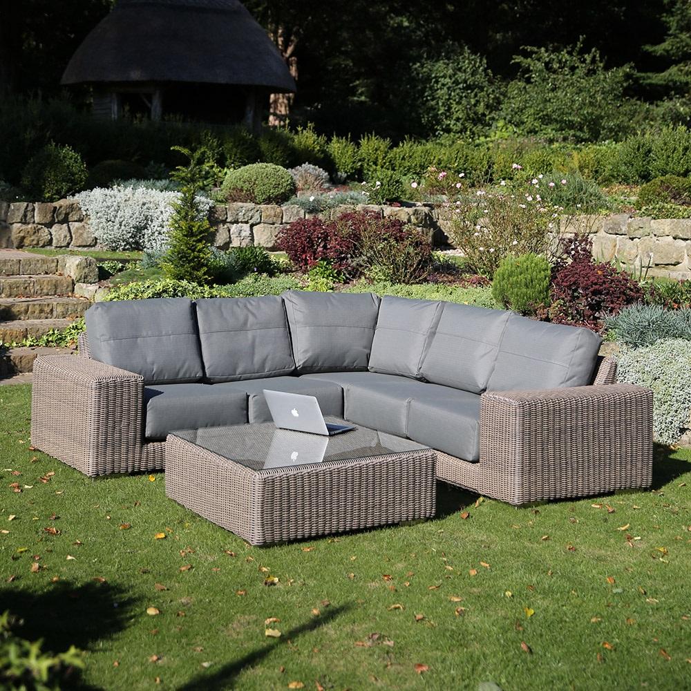 kingston modular rattan corner sofa by 4 seasons outdoor 4 seasons outdoor cuckooland. Black Bedroom Furniture Sets. Home Design Ideas