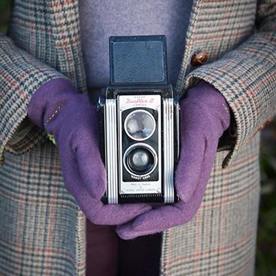 JUDY Womens Designer Wool Gloves in Aubergine