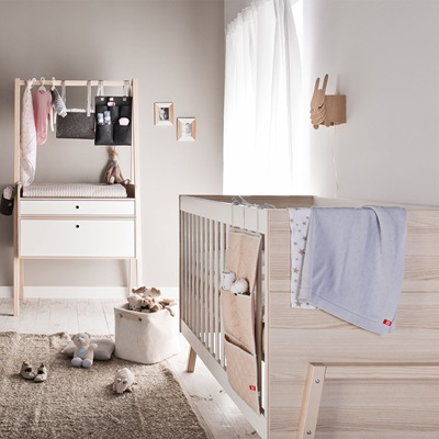 SPOT COT BED in White & Acacia
