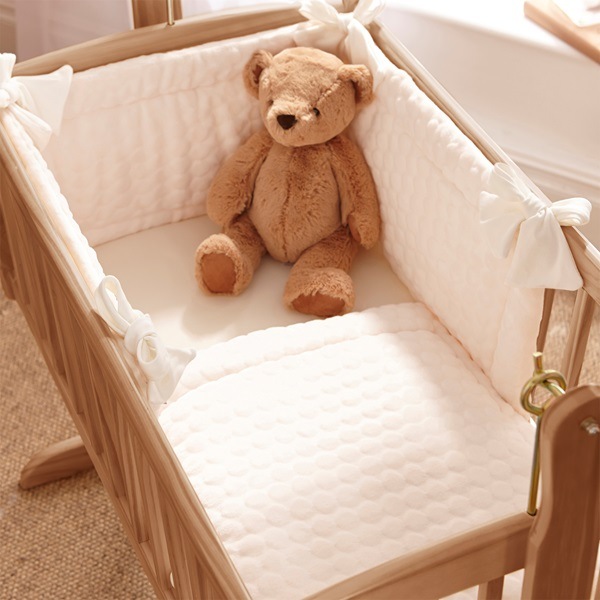 Baby-Crib-Marshmallow-Bedding-Set.jpg