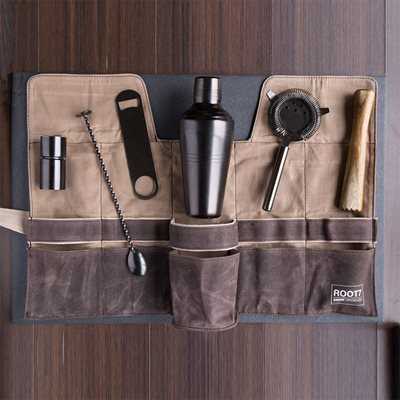 BARTENDERS COCKTAIL BAG & TOOL SET