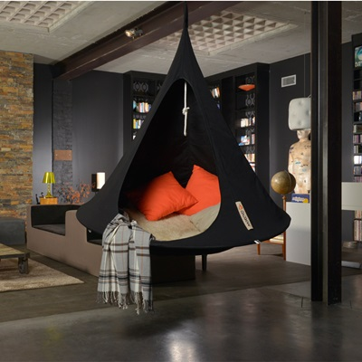 SINGLE HANGING CACOON in Black