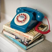 Blue-Retro-Telephone2.jpg