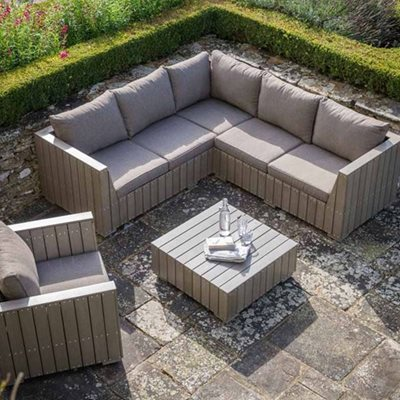 BOSHAM OUTDOOR CORNER SOFA SET in Polywood