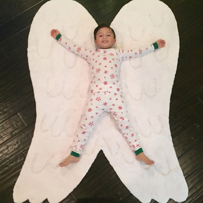 WHITE ANGEL WINGS KIDS WASHABLE RUG by Lorena Canals