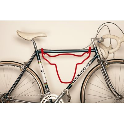 TROPHY BULL BIKE HOLDER in Red Short Fur