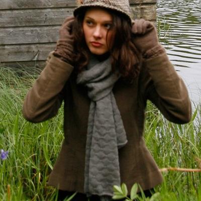SAMANTHA HOLMES Butterfly Knit Shawl in Greeny Grey