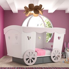 Carriage-Bed-in-a-Girls-Bedroom.jpg