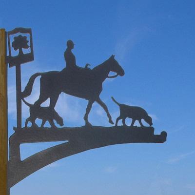 HANGING BASKET BRACKET in Horse & Hound Design
