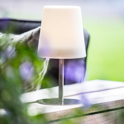 CHECKMATE LED SOLAR GARDEN TABLE LAMP