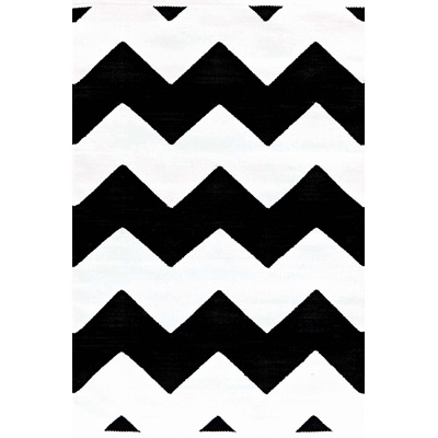 INDOOR OUTDOOR CHEVRON RUG in Black & White