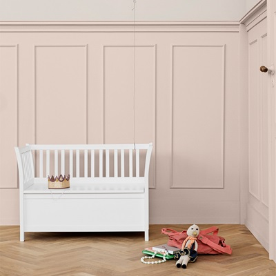 OLIVER FURNITURE KIDS LUXURY STORAGE BENCH in White