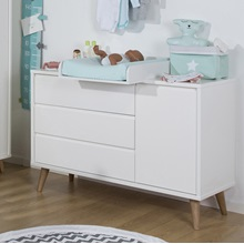 Childrens-Wide-Chest-of-Drawers-with-Changing-Unit.jpg