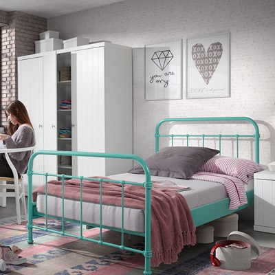 NEW YORK METAL KIDS BED in Mint