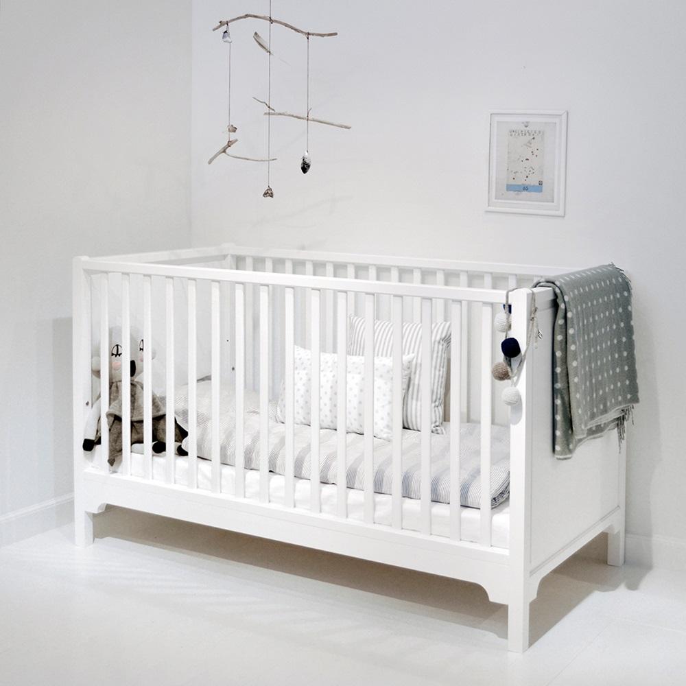 6 in 1 baby toddler luxury cot bed in white nursery - Sofas para ninas ...