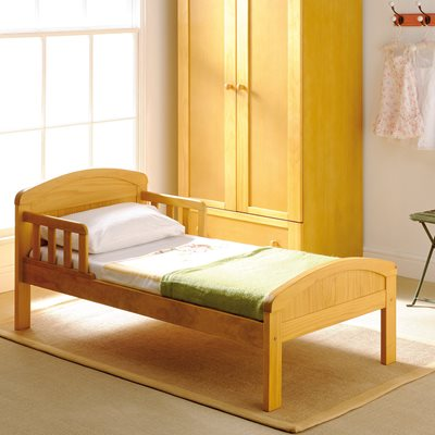 EAST COAST TODDLER BED in Antique Country Design