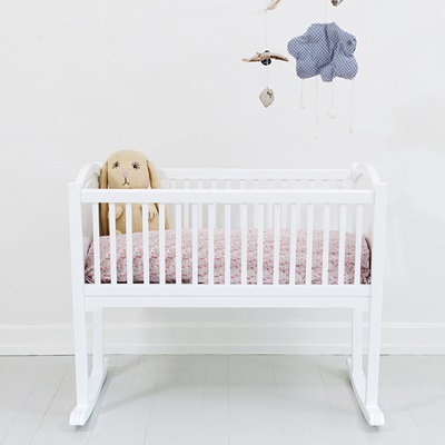 NURSERY ROCKING BABY CRIB/CRADLE in White