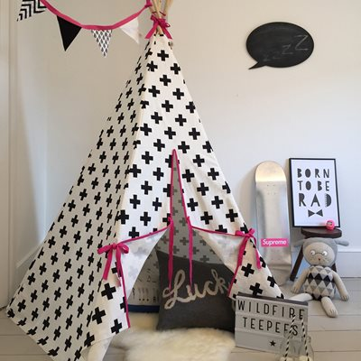 WILDFIRE KIDS TEEPEE in Crosses with Pink Trim