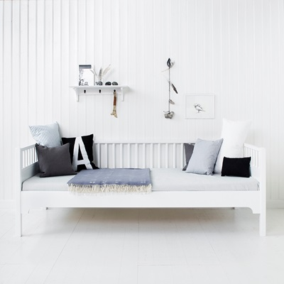 LUXURY DAY BED in White