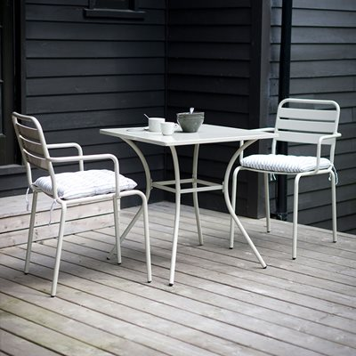 Garden Trading 2 Seater Dean Street Dining Set in Clay