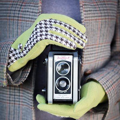LORETTA Women's Designer Wool Gloves in Lime