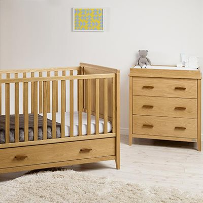 EAST COAST NURSERY DORSET OAK 2PC ROOM SET