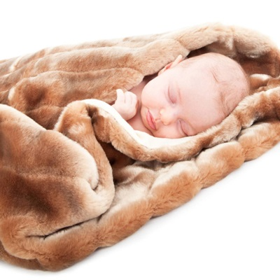 MINIMINK FAUX FUR BABY BLANKET in Honey